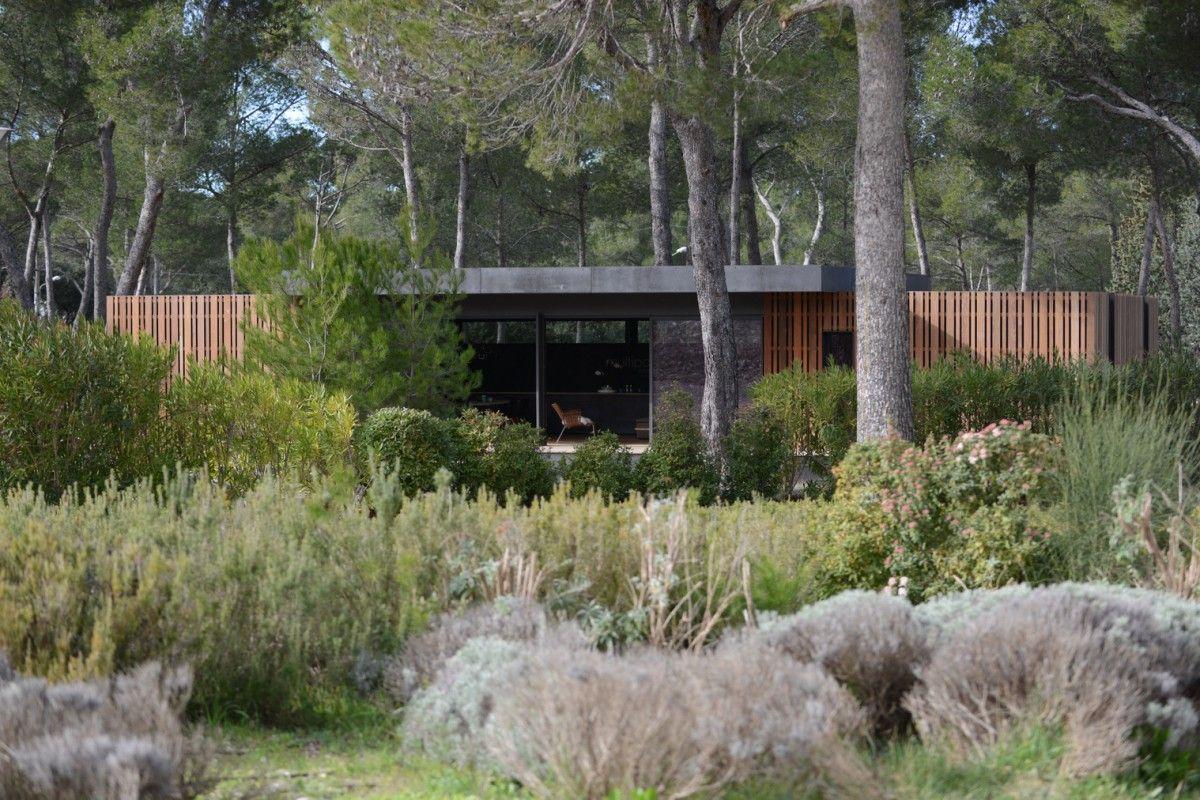 Dit huis is gebouwd in 4 dagen met alleen een schroevendraaier