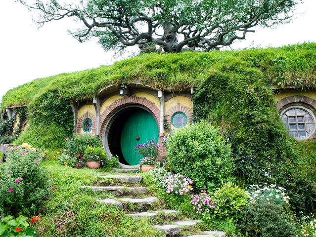 In Nieuw Zeeland staat dit Hobbit-huis, speciaal gebouwd voor de Lord of the Rings-films.