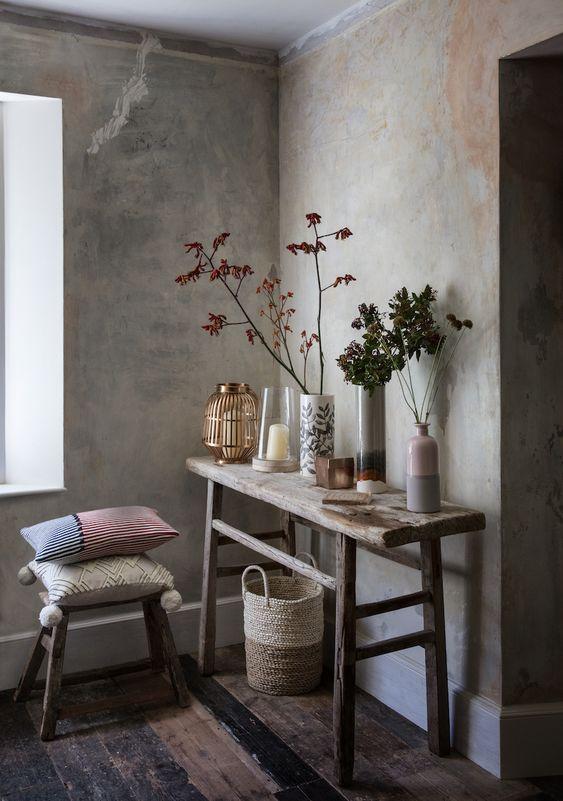 Sidetable met muur in betonlook
